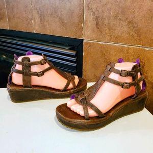 GEE WAWA Gladiator Double Buckle Wedge Sandals